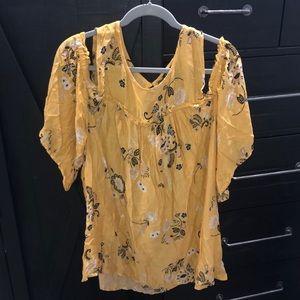 Torrid off the shoulder floral blouse size 2 (2X)